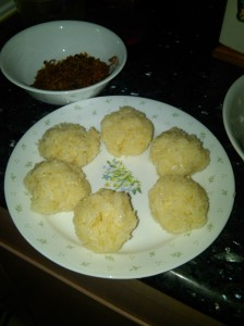 The glutinous rice formed into balls. The next time I make, I'd make them smaller.